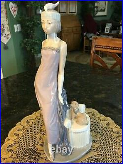 Lladro COUPLET Lady with Dog a 1920's Flapper Girl Figurine #5174 13.5 inches