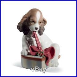 Lladro Can't Wait Dog Christmas Figurine 01008692