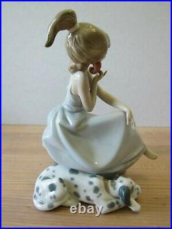 Lladro Chit-Chat 5466 Girl on Phone with Dog Mint in Box