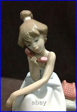 Lladro Chit Chat Girl with Phone with Dog Porcelain Figurine #5466 RETIRED
