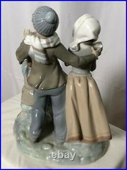 Lladro Christmas Carols #1239 Gloss Porcelain Figurine Dog Singing Retired