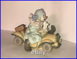 Lladro Clown Figurine Trip To The Circus #8136 Clown in Car with Dog Excellent