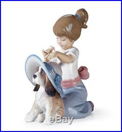 Lladro Collectible Figurine, GIRL WITH DOG An Elegant Touch 0100686 NEW IN A BOX