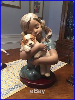 Lladro Cute Little Girl with Dog Made In Spain 1996 with Beautiful Wood Base