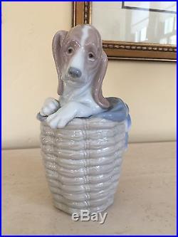 Lladro DOG IN THE BASKET PORCELAIN FIGURINE 1128 Basset Hound Blanket Spain