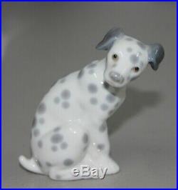 Lladro Dalmatian #1260 Figurine Dog Sitting Perfect