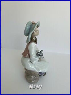 Lladro Daydreams #6400 Girl With Schnauzer Dog Retired Porcelain Figurine-Used