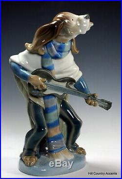 Lladro Dog Playing Guitar 1152 Rare Perfect Condition Mint