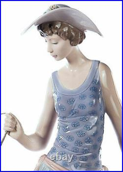 Lladro Elegant Promenade #5802 Brand Nib Young Woman Pastel Large Save$$ F/sh