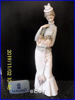 Lladro Figure My Dog Lady With A Parasol Holding A Pekingese 4893 Jose Roig