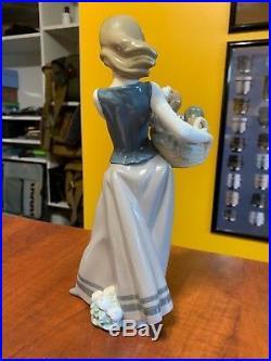 Lladro Figurine #1311 Little Dogs On Hip