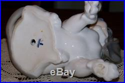 Lladro Figurine 1971-1981 Dog and Snail 1139 (Glazed) Superior condition