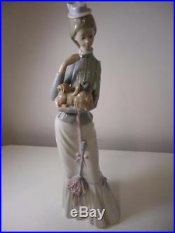 Lladro Figurine #4893 A Walk With The Dog