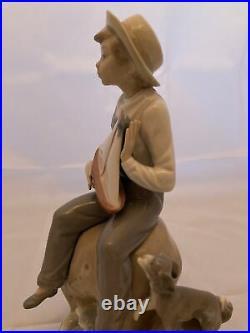 Lladro Figurine 5166 Nino con barquita Sea Fever, Mint, Boy with Sail Boat & Dog