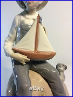 Lladro Figurine 5166 Sea Fever, Mint, Retired, Boy with Sail Boat & Dog (A)