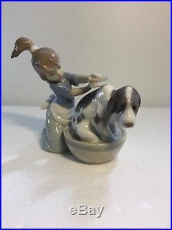 Lladro Figurine 5455 Bashful Bather, Mint, Girl, Dog, Bath
