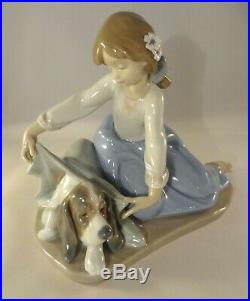 Lladro Figurine 5688 Dogs Best Friend Girl Covering Dog With Blanket Excellent