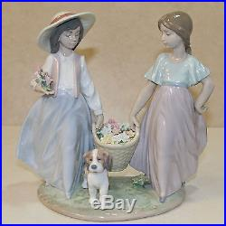 Lladro Figurine, 6250 Springtime Harvest, Two girls with flowers and a dog