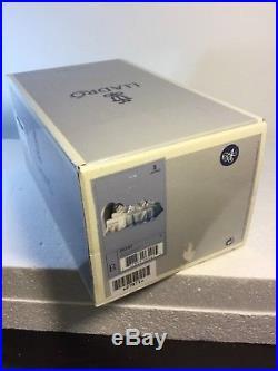 Lladro Figurine 6541 Bedtime Buddies, Mint, Retired, box, Boy Sleeping, Dog, Bed