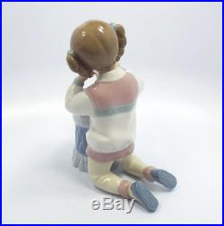 Lladro Figurine #6635 My Pretty Puppy, Girl Grooming Her Puppy Dog, Mint in Box