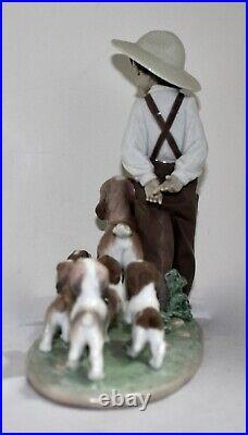Lladro Figurine 6828 My Little Explorers by Antonio Ramos. Boy + 6 Dogs MINT