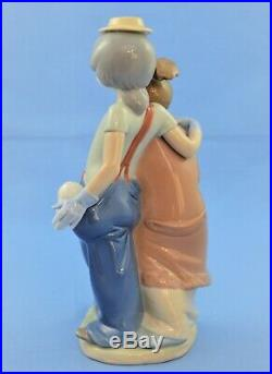 Lladro Figurine #7686 Pals Forever Clown With Girl And Dogs