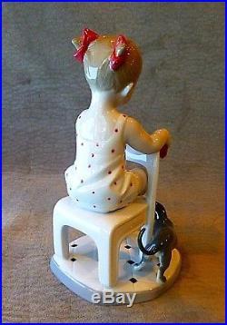 Lladro Figurine 8524, Fetch My Shoe, Girl, Dachshund, Dog