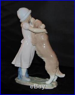 Lladro Figurine A WARM WELCOME #6903- Girl with Dog- E Massuet -Issued 2002-MIB