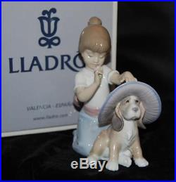 Lladro Figurine AN ELEGANT TOUCH #6862-Hat on Dog J Santaeulalia-MIB