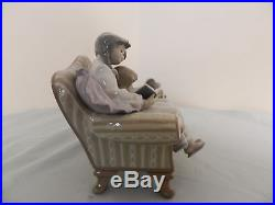 Lladro Figurine Big Sister Figurine Statue Siblings Dog on Couch Great Con 5735