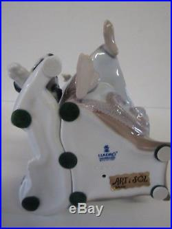 Lladro Figurine Chit Chat #5466 -girl On The Telephone With Dog Retired