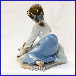 Lladro Figurine Dog's Best Friend # 5688 Excellent Condition