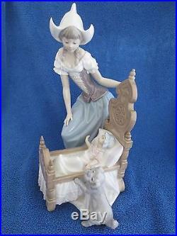 Lladro Figurine Dutch Woman & Baby with Dog Lulluby & Goodnight 5083