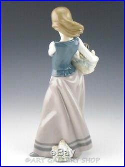 Lladro Figurine GIRL WITH PUPPIES DOGS BASKET #5786 Retired Mint