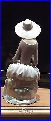 Lladro Figurine Girl With Dog (L4806G) 72887