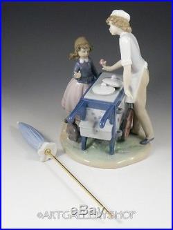 Lladro Figurine ICE CREAM VENDER SELLER BOY GIRL DOG UMBRELLA #5325 Retired Mint