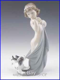 Lladro Figurine NAUGHTY PUPPY GIRL WITH DOG #8106 Retired Mint BOX