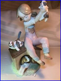 Lladro Figurine PICK OF THE LITTER GIRL DOG PUPPIES #7621 RETIRED, SIGNED & DATED