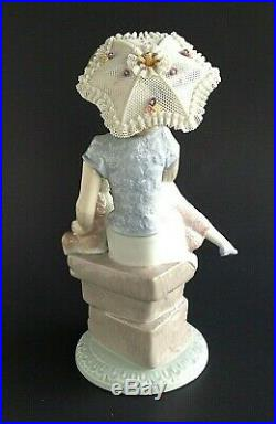 Lladro Figurine Picture Perfect 7612 Girl with Parasol and Dog Mint in Box