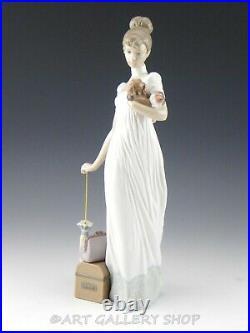 Lladro Figurine TRAVELING COMPANIONS LADY With DOG LUGGAGE UMBRELLA 6753 Mint Box