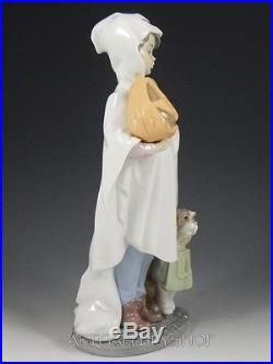 Lladro Figurine TRICK OR TREAT HALLOWEEN BOY WITH PUMPKIN DOG #6227 Retired Mint