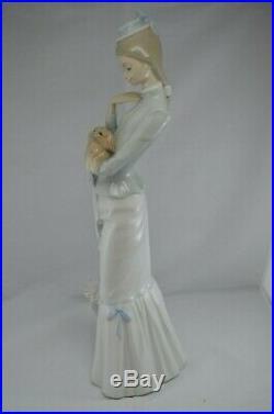 Lladro Figurine Walk With The Dog Ref. 4893