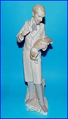 Lladro Figurine ornament animals vet and dog' Veterinarian' #4825 13.25