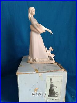 Lladro FigurineGirl with Goose & Dog #4866 Matte Mint in Original Box