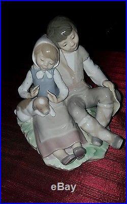 Lladro Friendship Boy Girl Dog 6.5 Tall Figurine #1230 Retired 1991 Mint