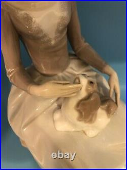 Lladro Girl With Dog Retired 1981 12.5 Tall Porcelain Figurine # 4806 Mint