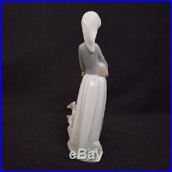 Lladro Girl with Goose & Dog #4866 Figurine Mint in Original Box