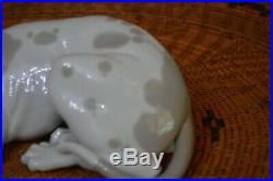 Lladro Glazed Porcelain Old Hound Dog Figurine Juan Huerta Spain Retired