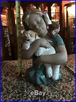 Lladro Gres Figurine Gabriela 2355 Bust of Girl Hugging Puppy Dog 13.5 Tall