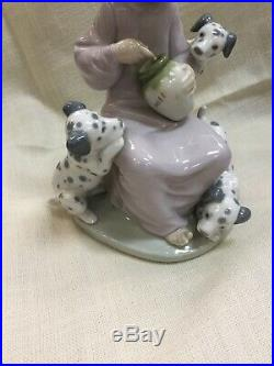 Lladro Honey Lickers Miel Girl Dogs With Dalmatians